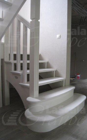 Деревянные лестницы в коттедж на второй этаж под заказ Минск