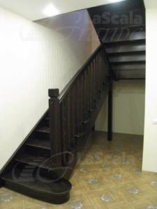 лестница в дом из дуба на второй этаж