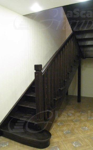 Дубовая лестница в дом