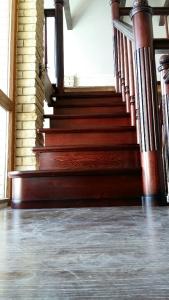 Заказать дубовую лестницу в дом