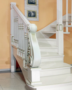 дубовый резной столб лестница под заказ lascalgrande