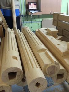 изготовление столбов из сосны для лестницы Lascalagrande.ru