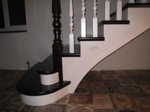 лестница под размеры на дачу