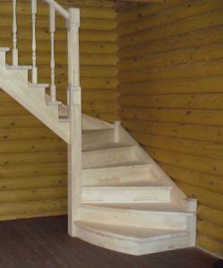 Деревянная лестница на дачу, заказать в СПб