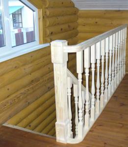 баллюстрада лестницы - ограждение второго этажа из дерева