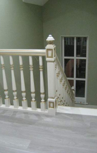 Изготовление баллюстрад, СПб лестниц из дерева