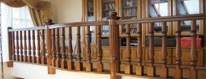 ограждение балкона на балюстраде лестниц