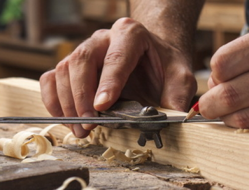 Где заказать изготовление деревянной лестницы? Обзор производителей