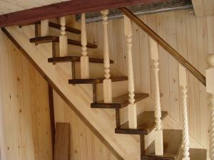 Лестница из комбинированных материалов дуб, ясень, береза