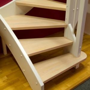 Что делать, если лестница в доме неудобная?