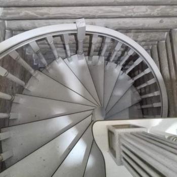 Дизайн лестницы и его влияние на окончательную цену