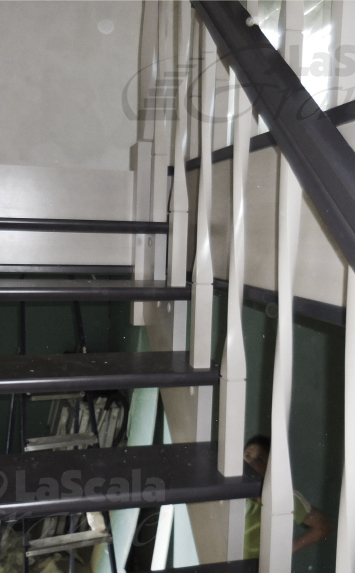 лестница с пригласительными ступенями д. Вяча Минская область заказ