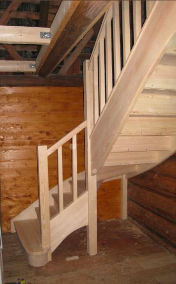 Лестница на второй этаж Минск заказать